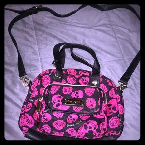 Betsey skull and rose purse